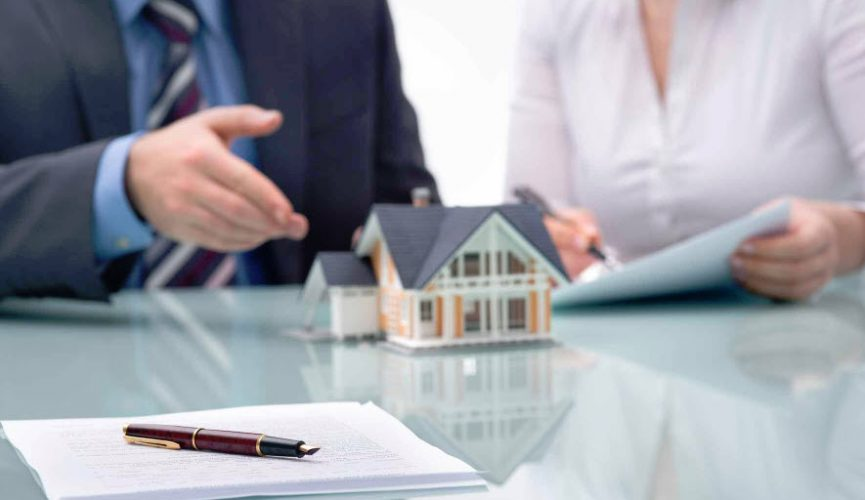 what makes a real estate broker